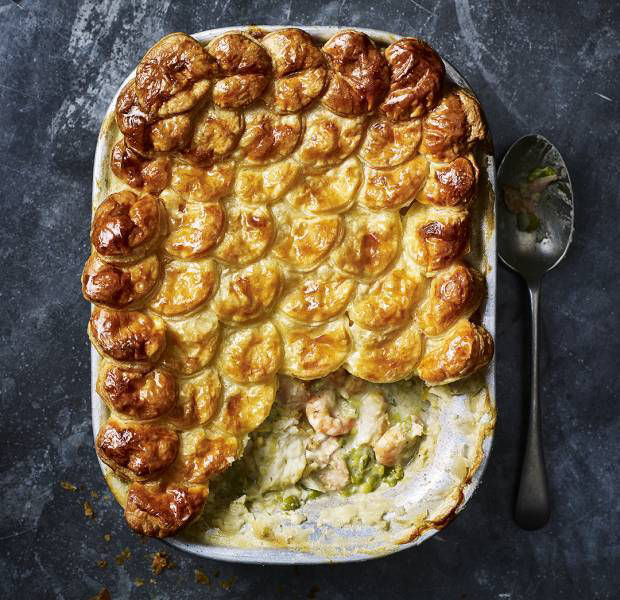 Fish and mushy pea pie