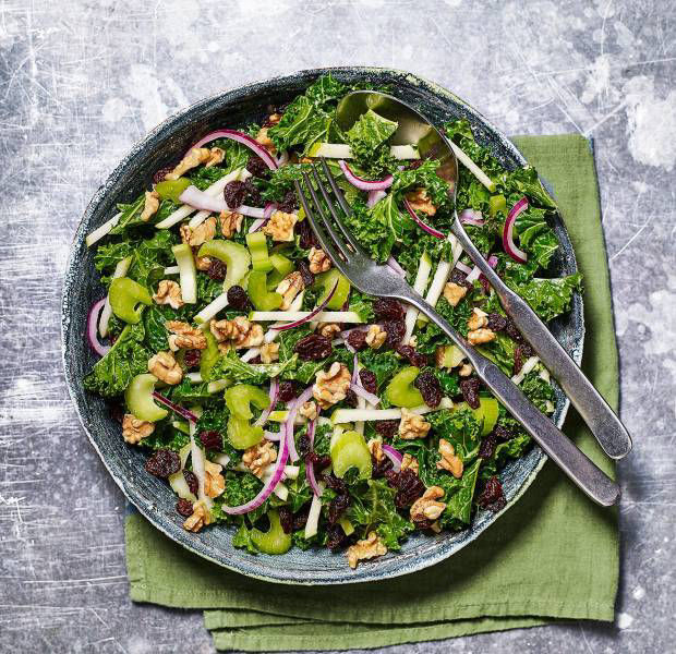 Waldorf salad with curly kale and green apple