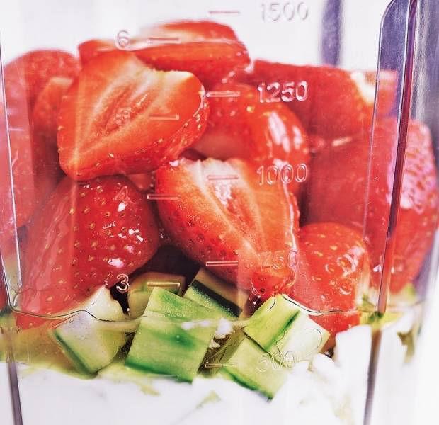 Strawberry & cucumber smoothie
