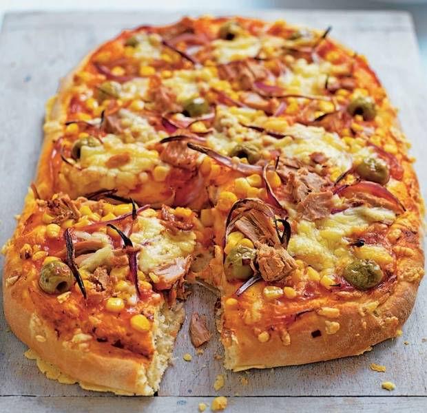 Tuna & sweetcorn pizza