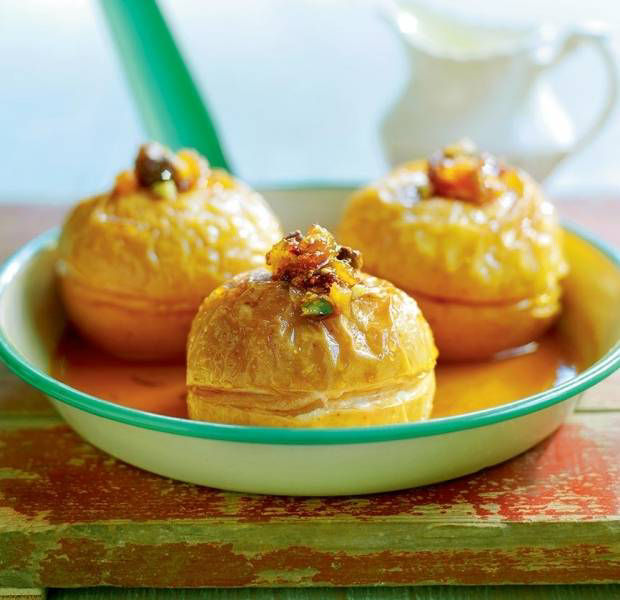 Baked apples stuffed with pistachios, apricots and figs
