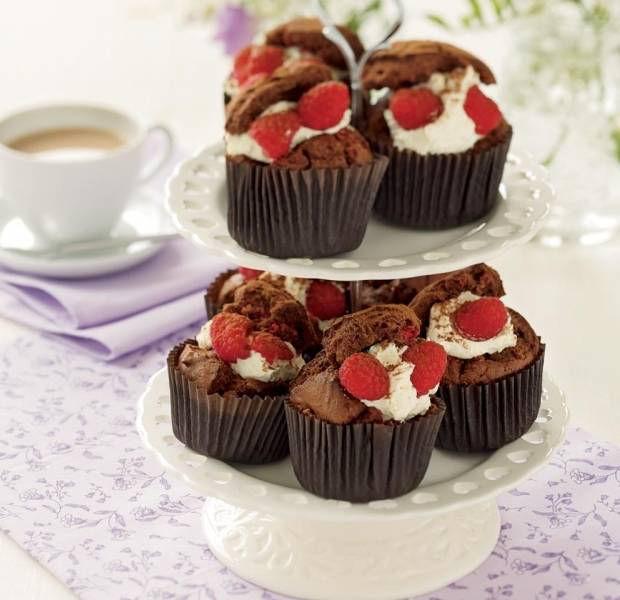 Raspberry & dark chocolate cupcakes
