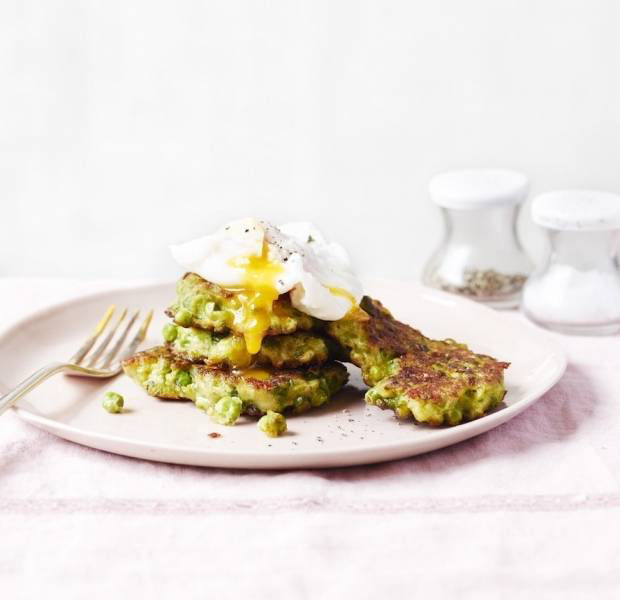 Pea fritters with poached egg