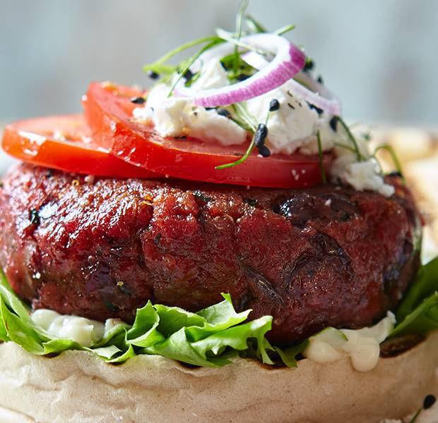 Quinoa & beetroot burger