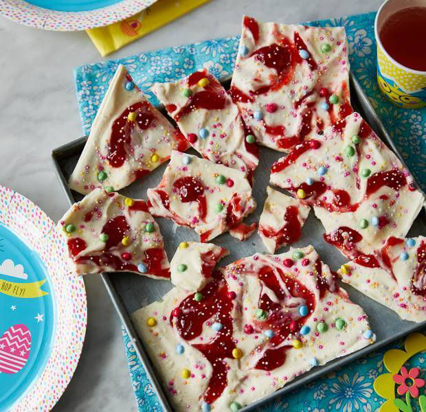 Yogurt and raspberry bark