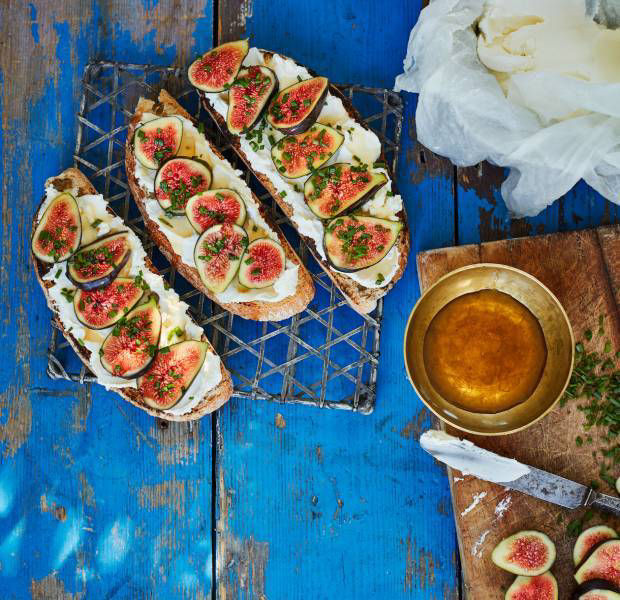 Labneh and figs on toast