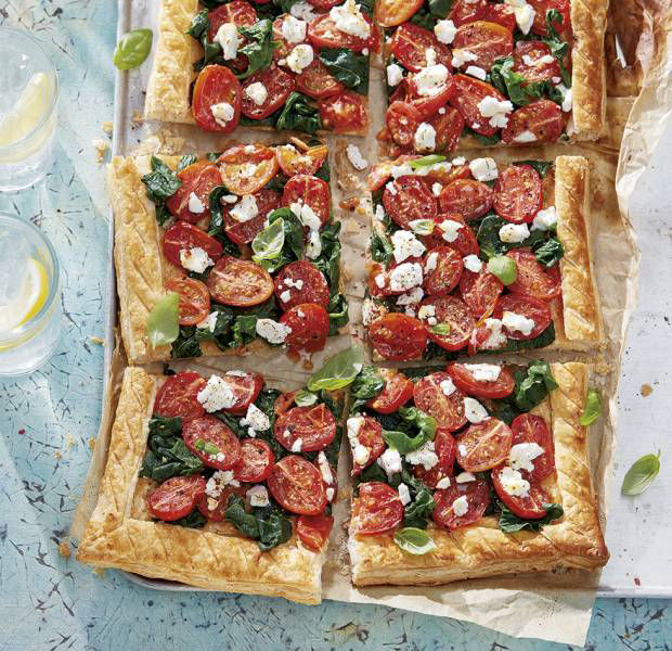 Tomato, goat's cheese and spinach tart