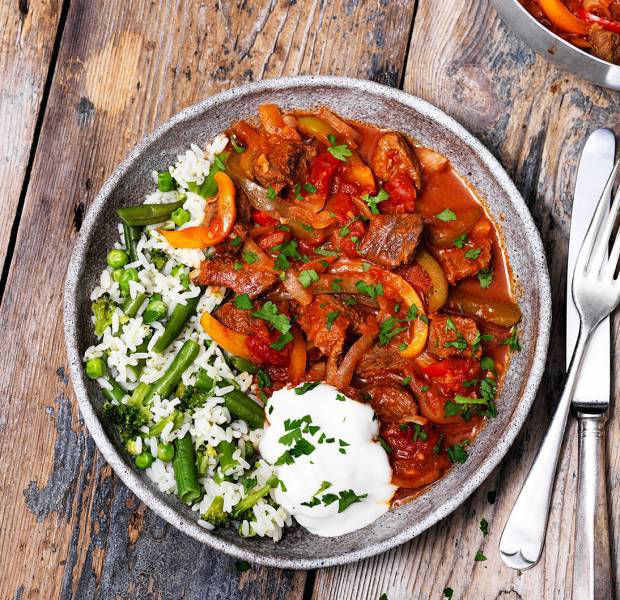 Beef and mixed pepper goulash