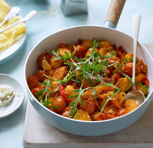 Mixed pepper and rocket pan-fried gnocchi