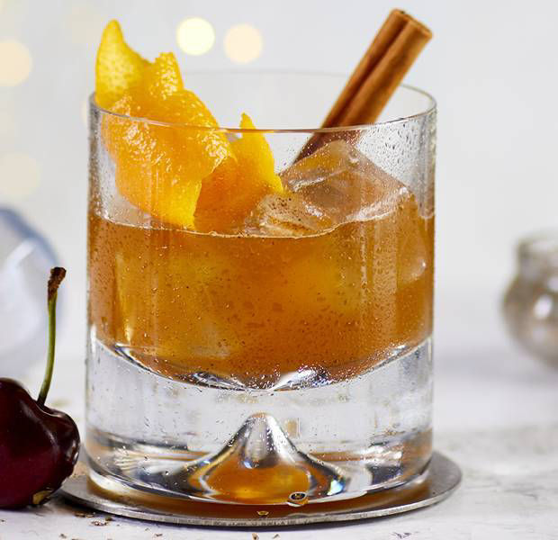Christmas pudding old fashioned with Jack Daniel's